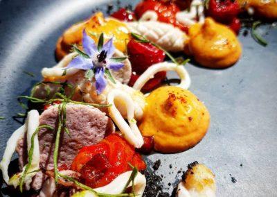 Chipirons en 3 cuissons : Poivrons: Framboises : Chorizo Ibérique